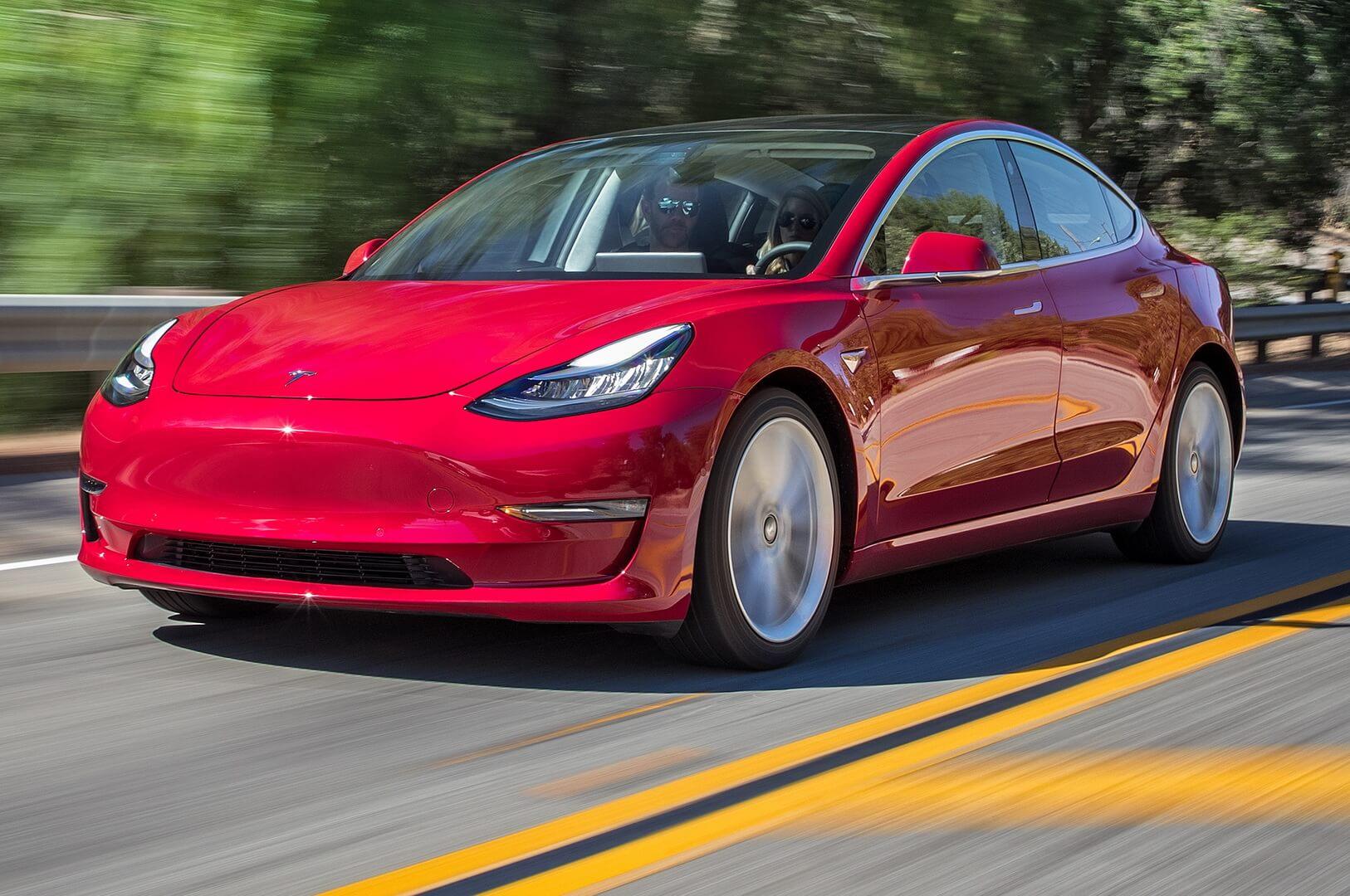 Электромобиль Model 3 заработал для Tesla первую высшую награду по безопасности от IIHS
