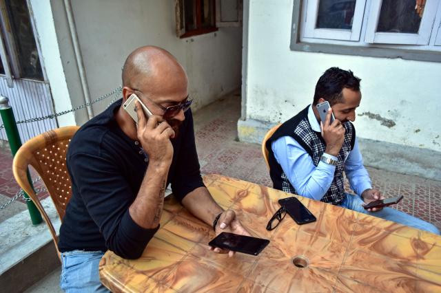Власти Индии вернули интернет в Кашмир