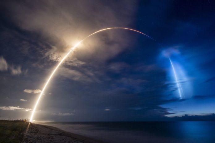 Компания SpaceX запустит еще 58 спутников Starlink