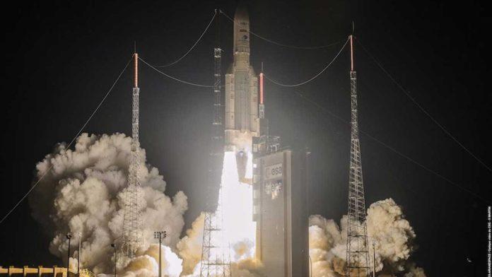Ракета Ariane 5 успешно стартовала во Французской Гвинее