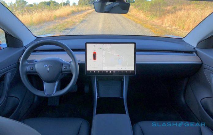 Tesla собирается заметно удешевить свои электромобили