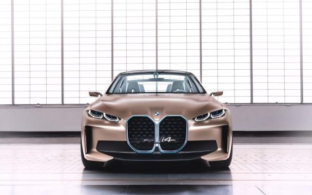 BMW разрабатывает спортивный электрокар на базе i4