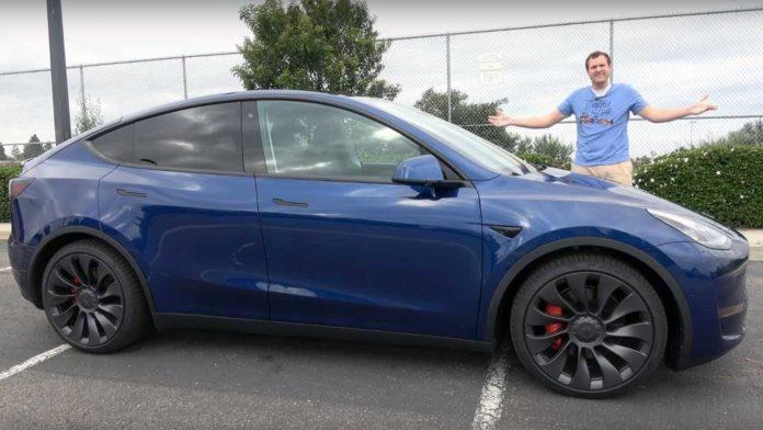 Tesla вновь удивляет поклонников своей тактикой в отношении Model Y