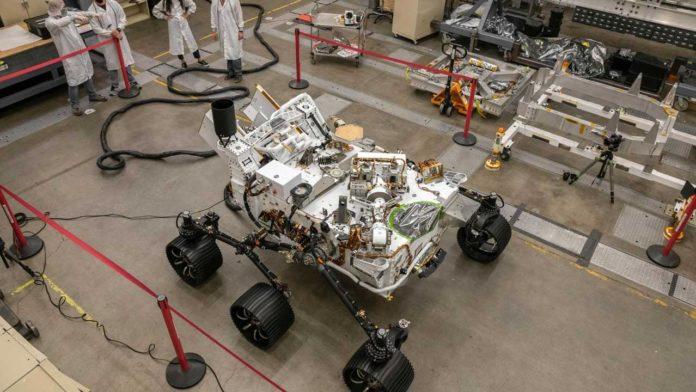 НАСА построила брата-близнеца ровера Perseverance для испытаний на Земле