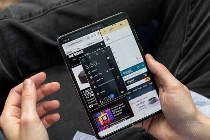 Samsung превращает Galaxy Fold в Galaxy Z Fold 2