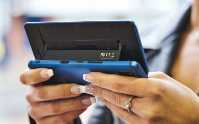 Компания F(x)tec готовит необычный смартфон с возможностью выбора ОС