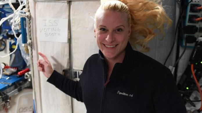 Астронавт Кейт Рубинс проголосовала в условиях МКС