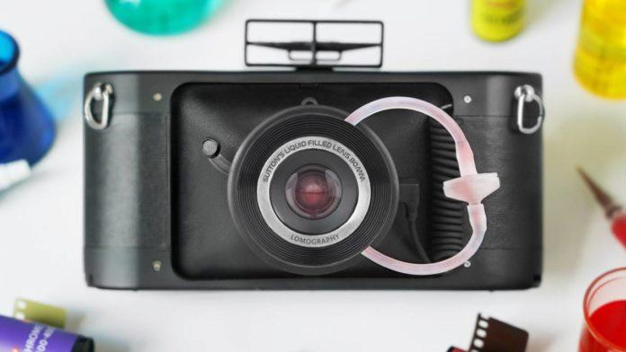 Lomography выпустила уникальную пленочную камеру HydroChrome Sutton