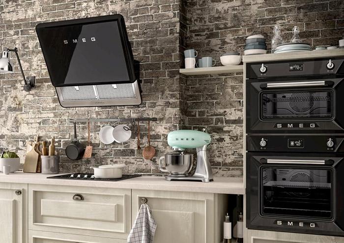 Какая бытовая техника должна быть на кухне