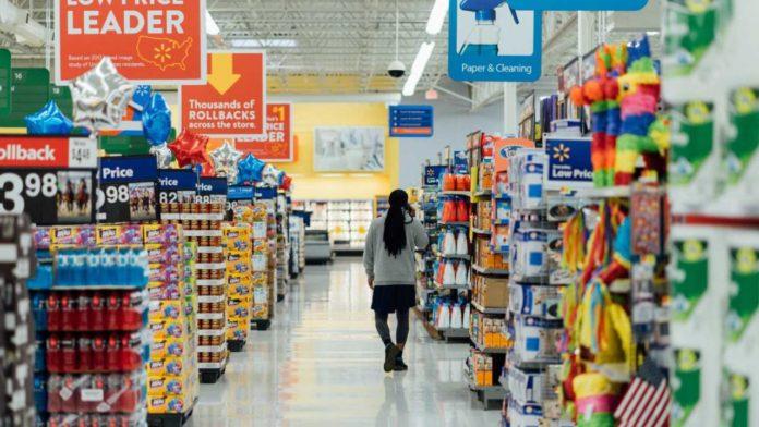 Walmart рассказала о своих планах на сотрудников-роботов и людей