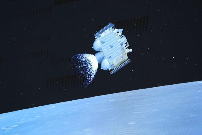 Китай успешно завершил две космические миссии