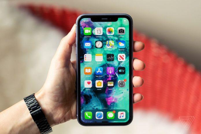 Apple бесплатно заменит бракованный дисплей на iPhone 11 всем желающим