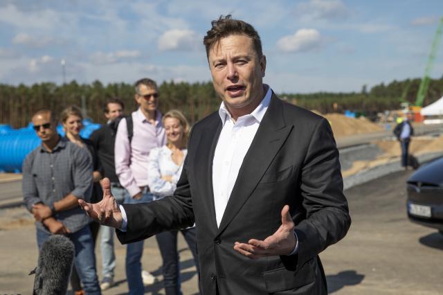 Apple могла стать владельцем Tesla