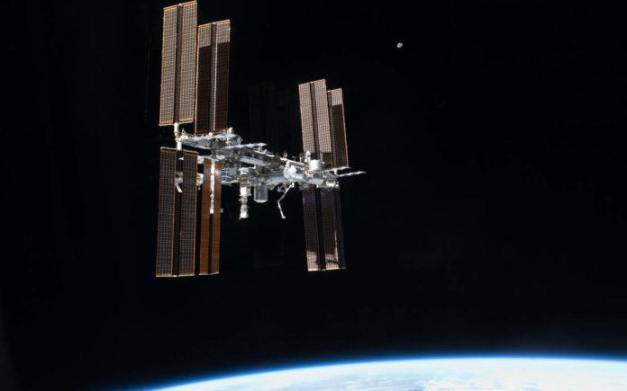 Специалисты Space Cargo Unlimited рассказали о необычном винном проекте в космосе