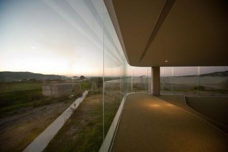 стеклянное здание